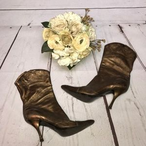 🌹Just in - BCBG cowgirl boots with heel! Size 9.5